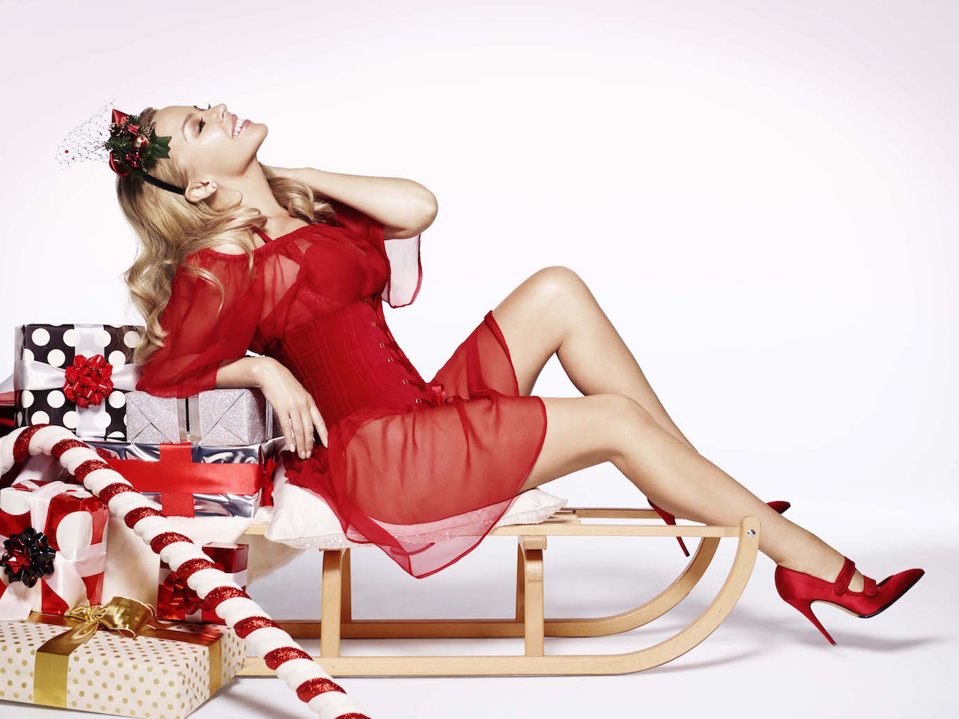 Kylie_Minogue_Kylie_Christmas_Press_Pictures_026