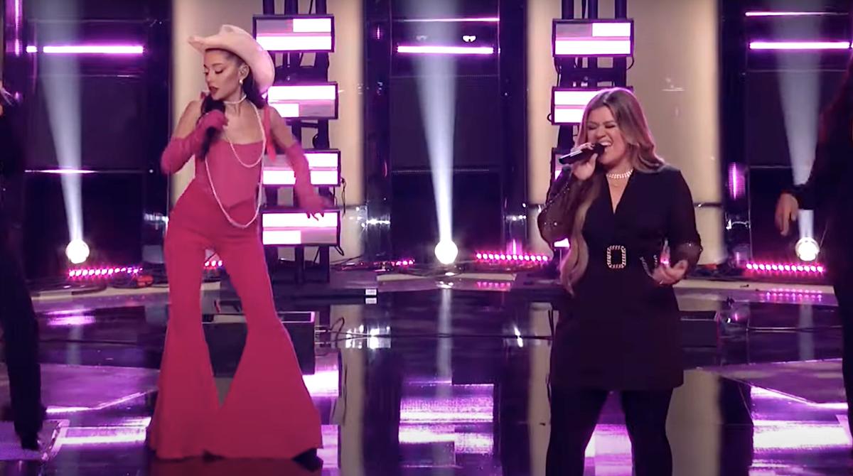 Ariana Grande Kelly Clarkson Respect The Voice US